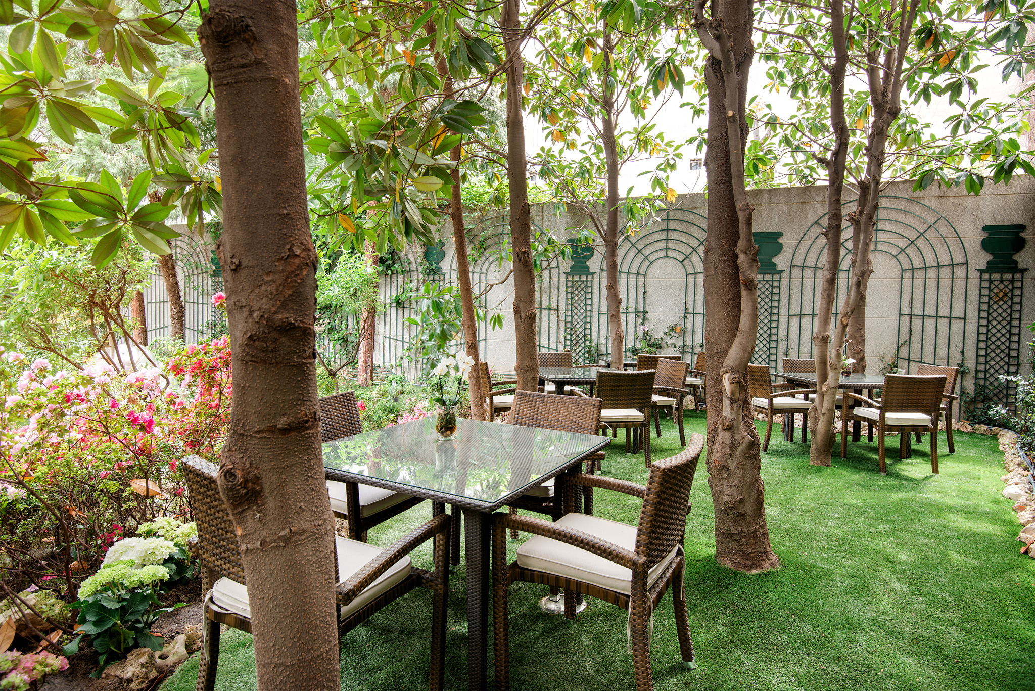 Hotel with garden in madrid centre vp jardin de recoletos 4 - Garden center madrid ...